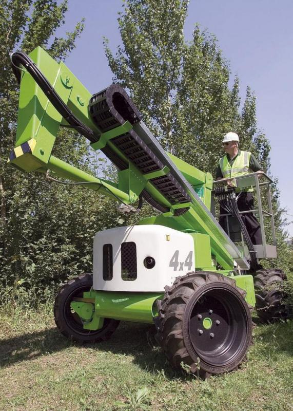 NIFTYLIFT HR12 4×4   12.2m Self Propelled